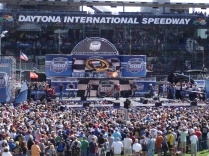 Brad Paisley performing before the race.